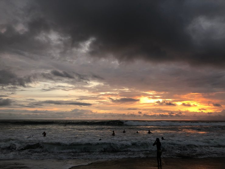 sunset_with_surfers