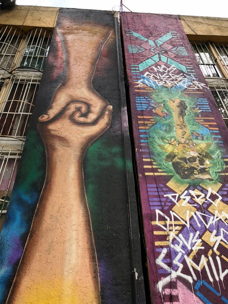 hands_mural