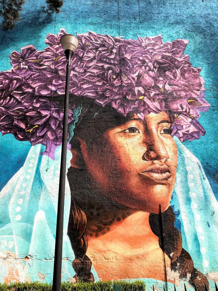 mujer mural